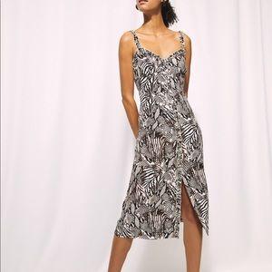 NWOT ARITZIA | Wilfred Heartthrob dress